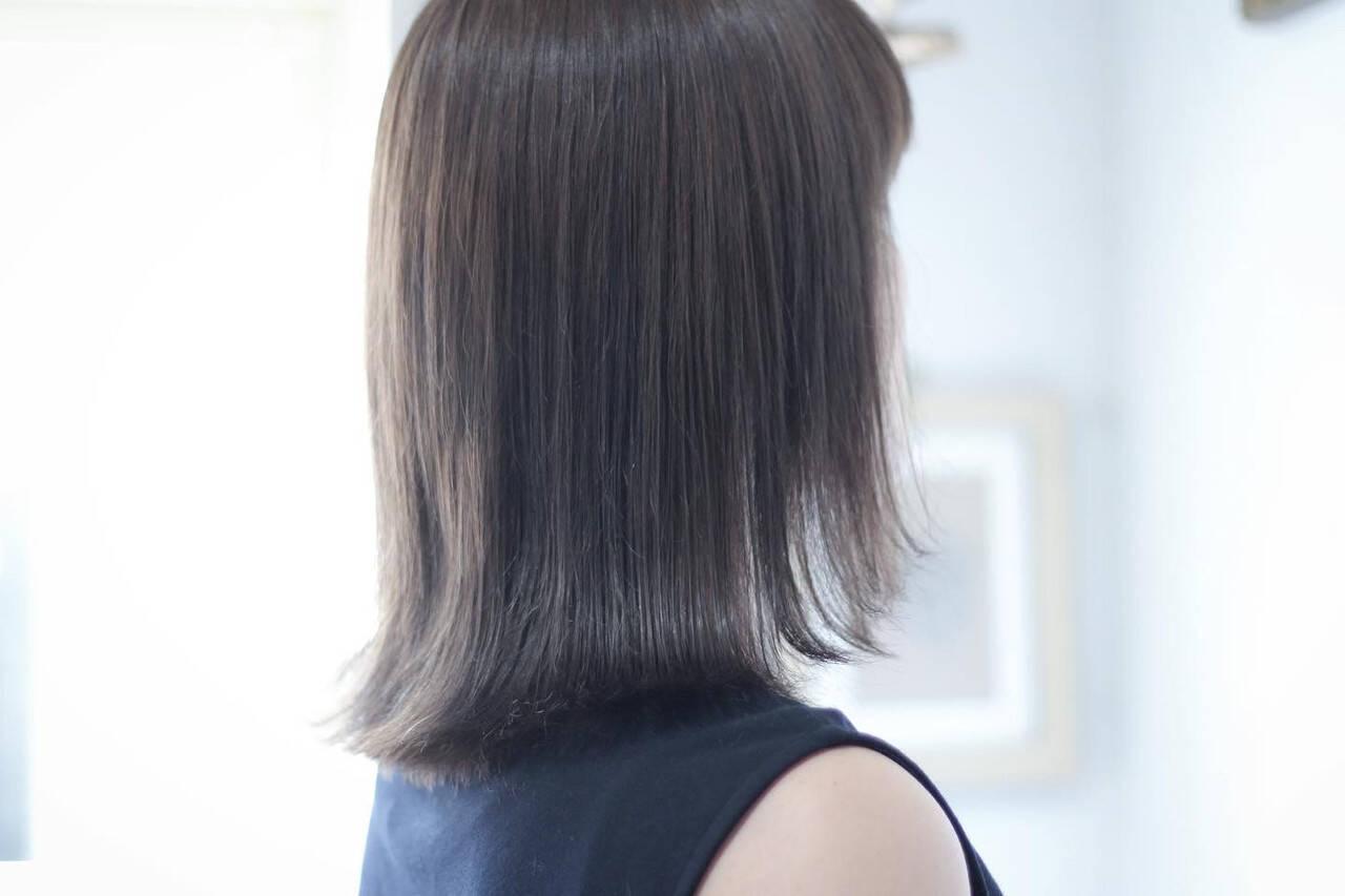 ホワイトシルバー シルバー セミロング シルバーグレーヘアスタイルや髪型の写真・画像