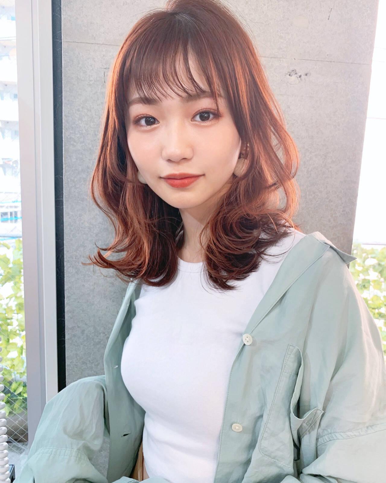 韓国風ヘアー インナーカラー イヤリングカラー ミディアムヘアスタイルや髪型の写真・画像