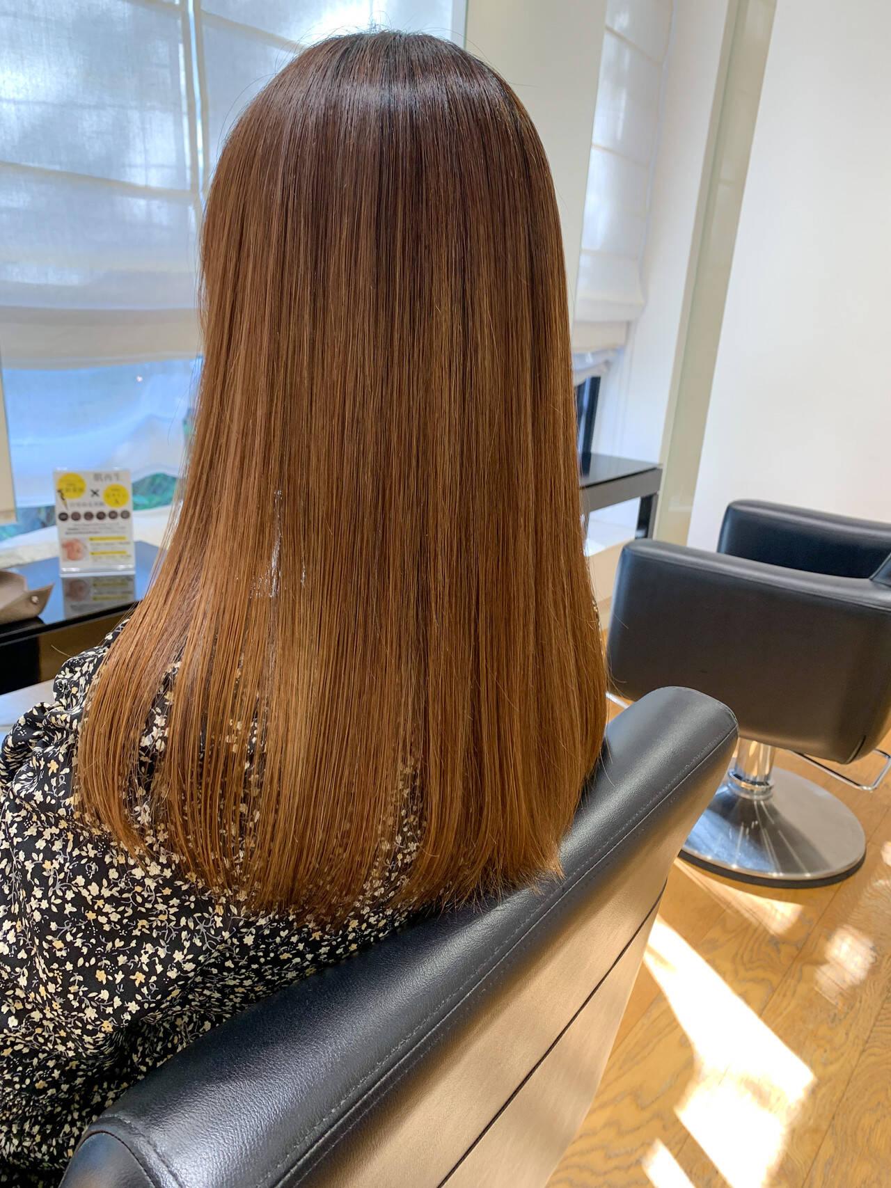 セミロング 髪質改善トリートメント ナチュラル 美髪ヘアスタイルや髪型の写真・画像