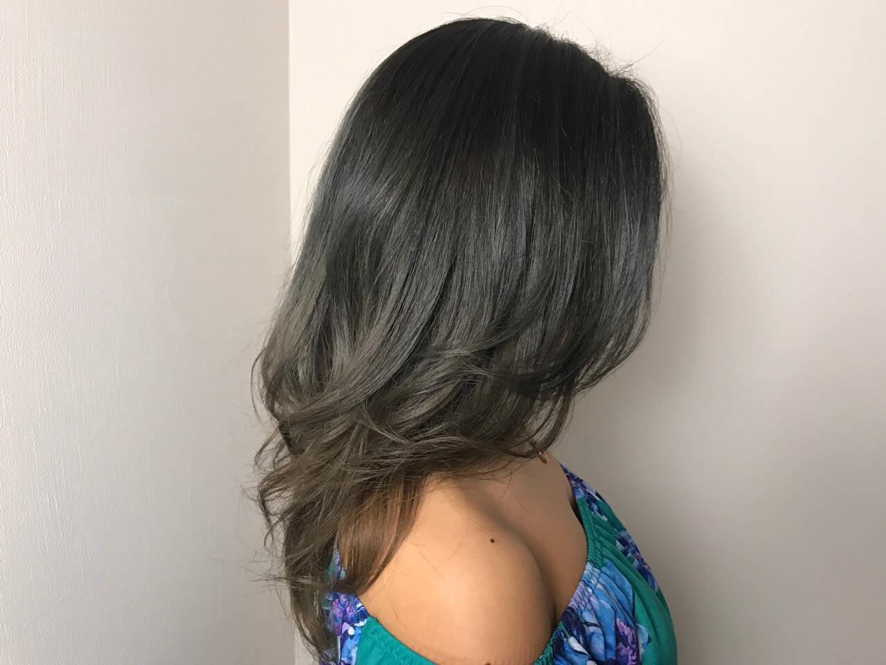 グラデーションカラー ロング 外国人風カラー 上品ヘアスタイルや髪型の写真・画像