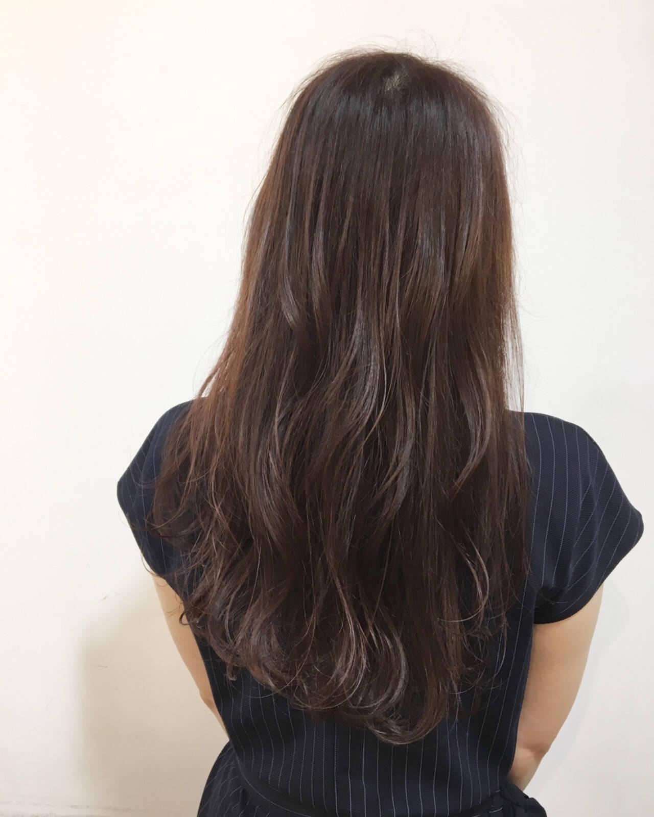 レッド ピンク ロング イルミナカラーヘアスタイルや髪型の写真・画像