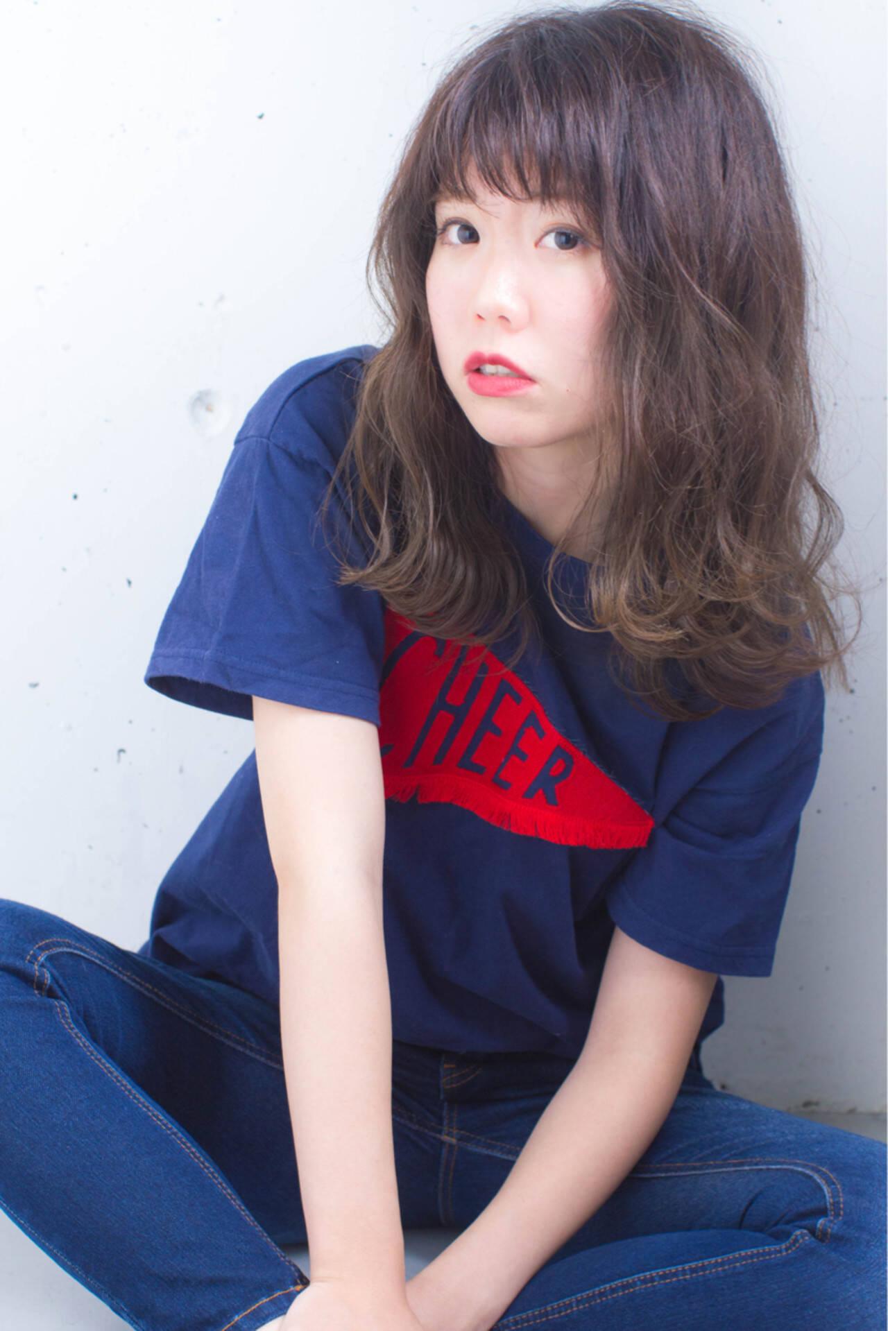 グラデーションカラー 外国人風 暗髪 ハイライトヘアスタイルや髪型の写真・画像
