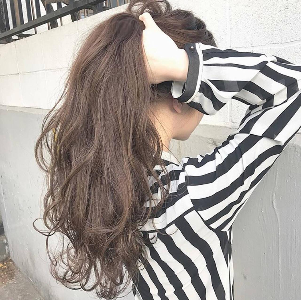 パーマ ロング アンニュイ 上品ヘアスタイルや髪型の写真・画像
