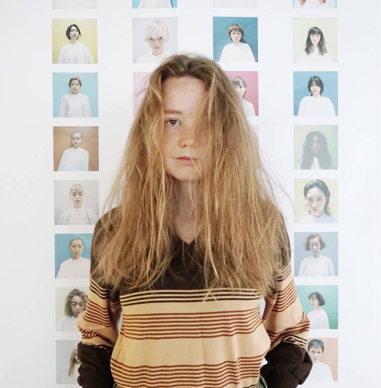 ウェーブ 外国人風 ヘアアレンジ ふわふわヘアスタイルや髪型の写真・画像
