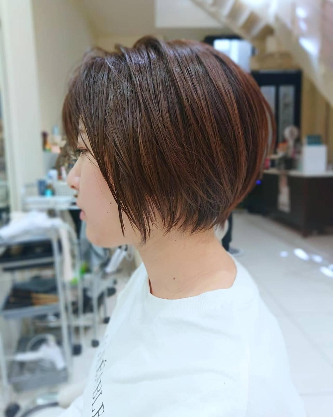 インナーカラー ベリーショート ショートヘア ナチュラルヘアスタイルや髪型の写真・画像