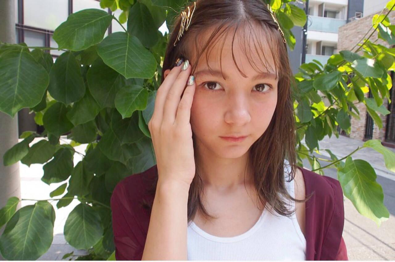 ヘアアレンジ 外ハネ ヘアピン 外国人風ヘアスタイルや髪型の写真・画像