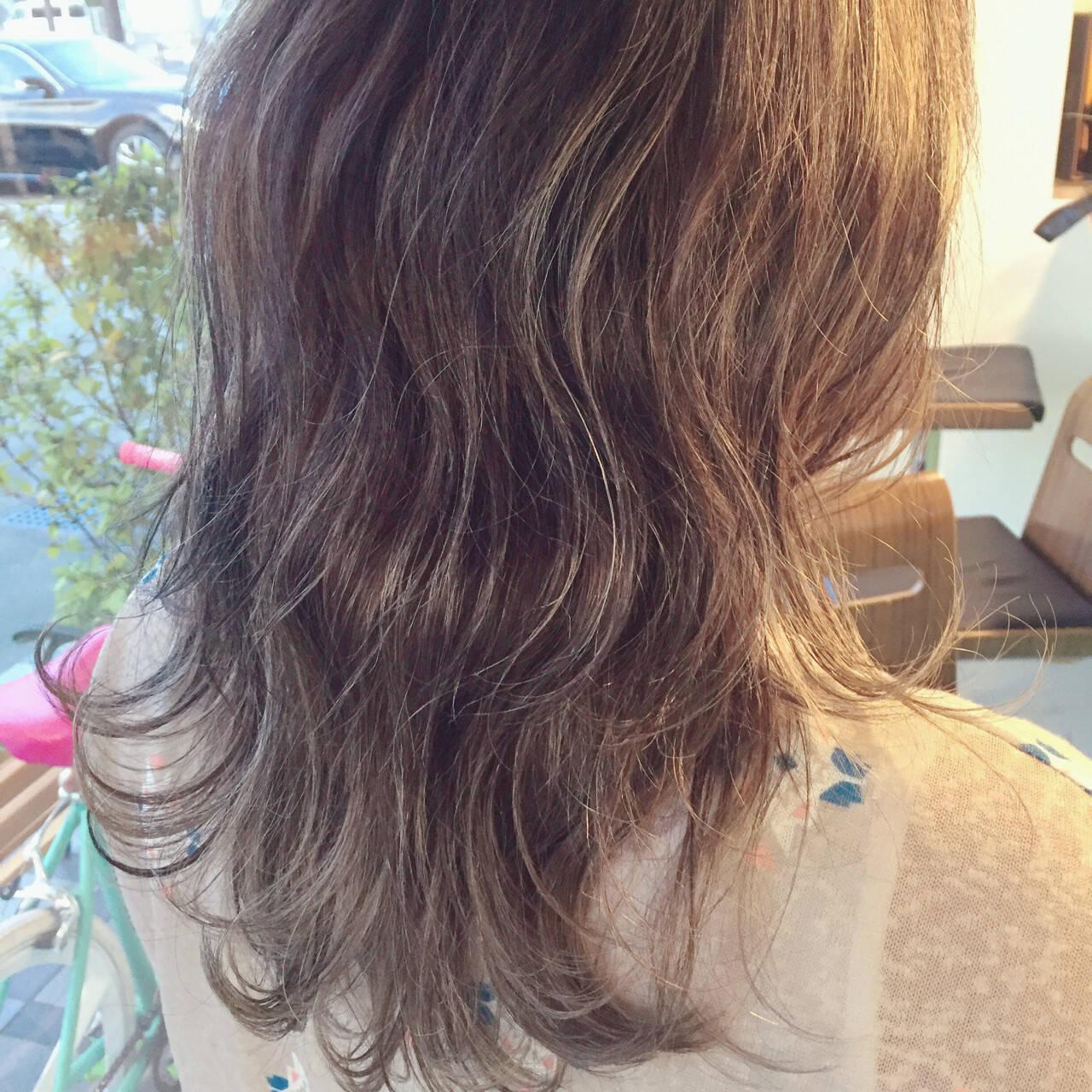 グラデーションカラー ハイライト ヘアアレンジ 外国人風ヘアスタイルや髪型の写真・画像