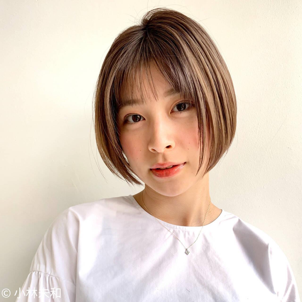 ミニボブ ショートボブ ナチュラル 前下がりショートヘアスタイルや髪型の写真・画像