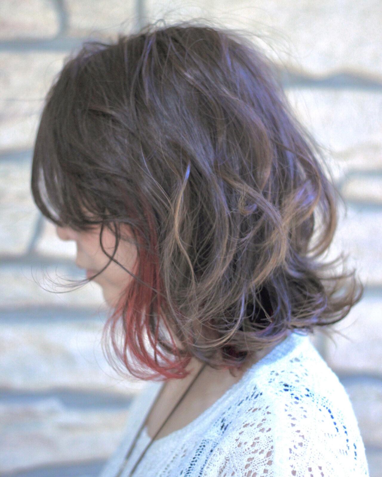 インナーカラー ピンク ボブ レッドヘアスタイルや髪型の写真・画像