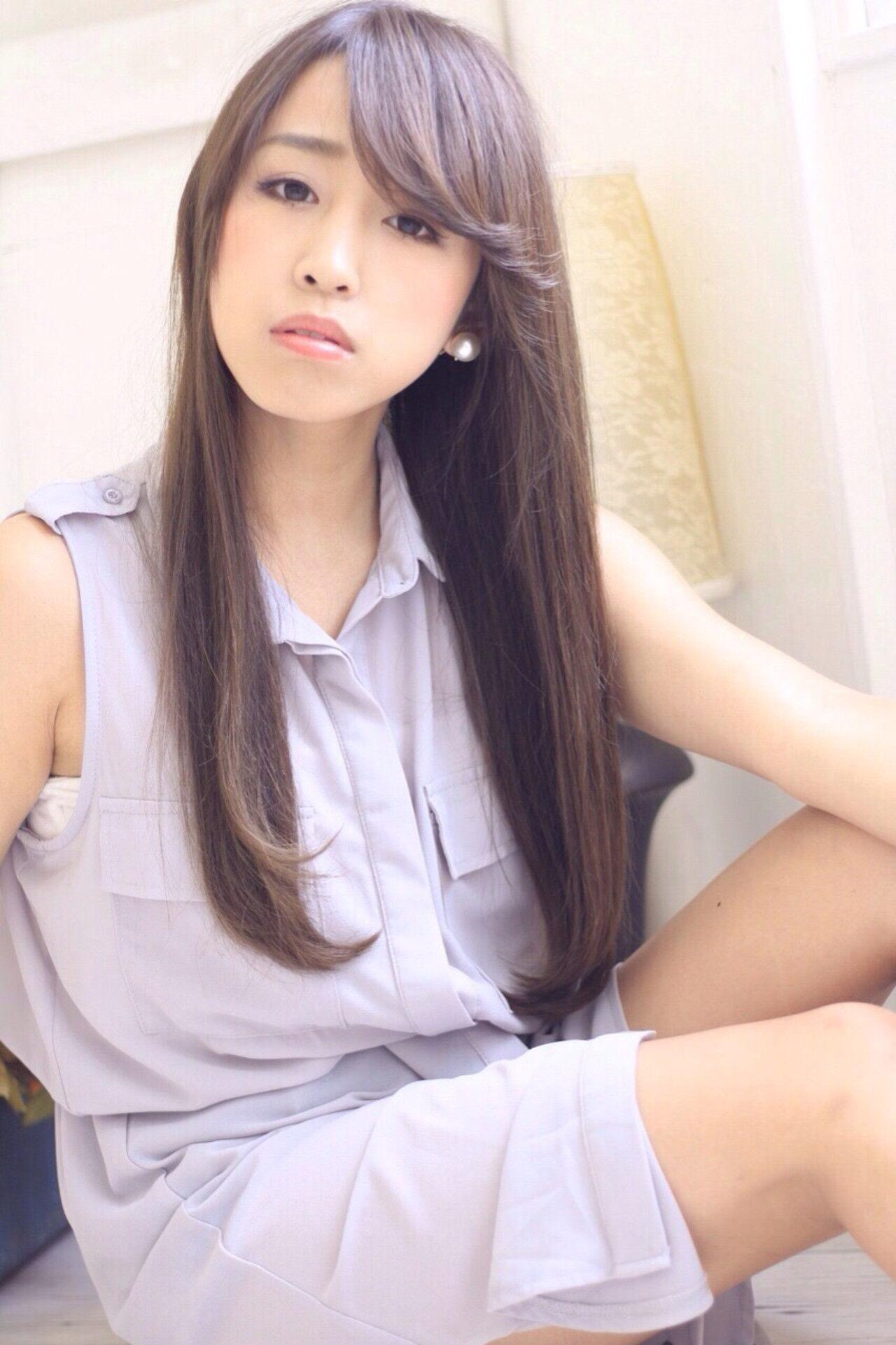ロング 大人かわいい フェミニン ストレートヘアスタイルや髪型の写真・画像
