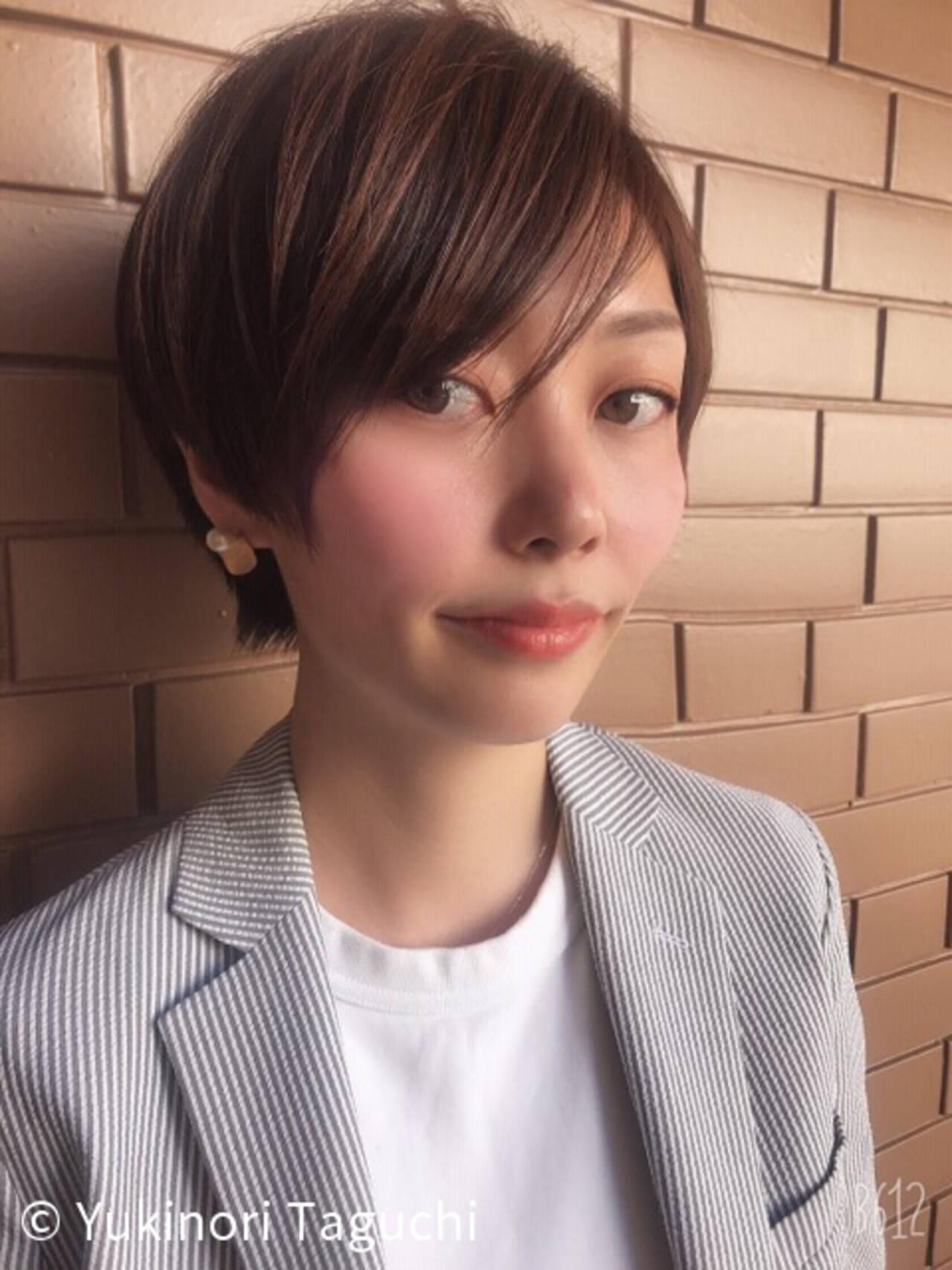 オフィス 大人かわいい カジュアル ヘアカラーヘアスタイルや髪型の写真・画像