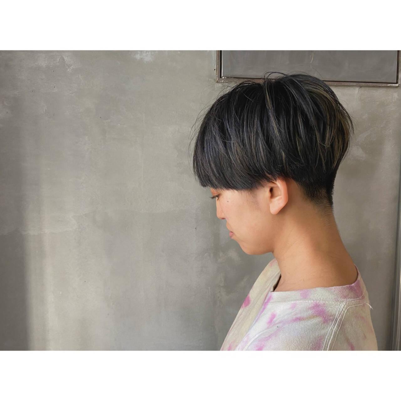 スライシングハイライト 刈り上げ女子 デザインカラー 刈り上げヘアスタイルや髪型の写真・画像