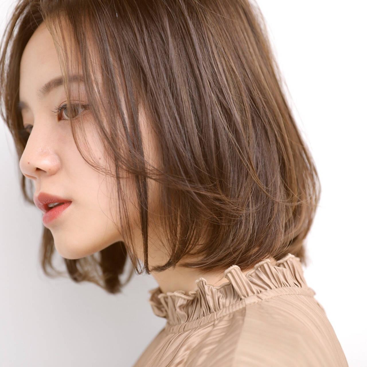 ミニボブ 切りっぱなしボブ アンニュイ ベージュヘアスタイルや髪型の写真・画像