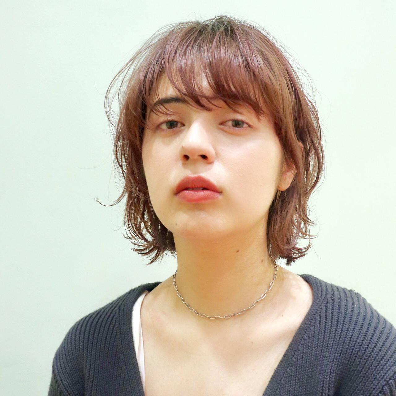 ウルフカット 小顔ヘア モード レイヤーボブヘアスタイルや髪型の写真・画像
