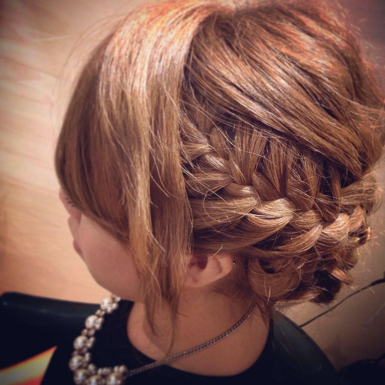 コンサバ パーティ まとめ髪 編み込みヘアスタイルや髪型の写真・画像