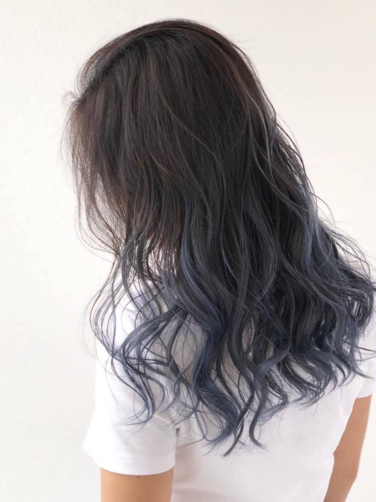 ロング 髪質改善 アッシュグレー エレガントヘアスタイルや髪型の写真・画像