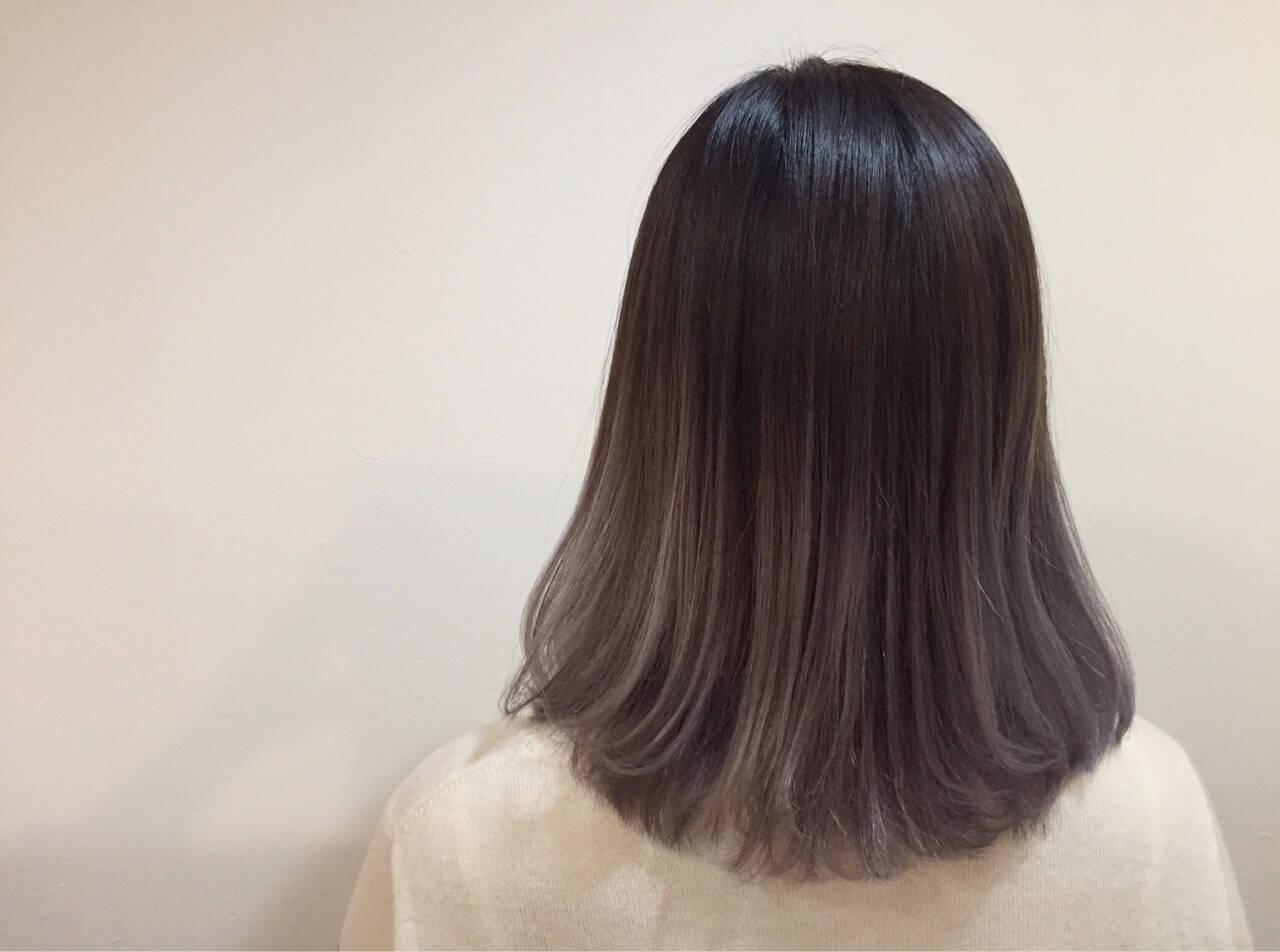黒髪 グラデーションカラー ナチュラル アッシュヘアスタイルや髪型の写真・画像
