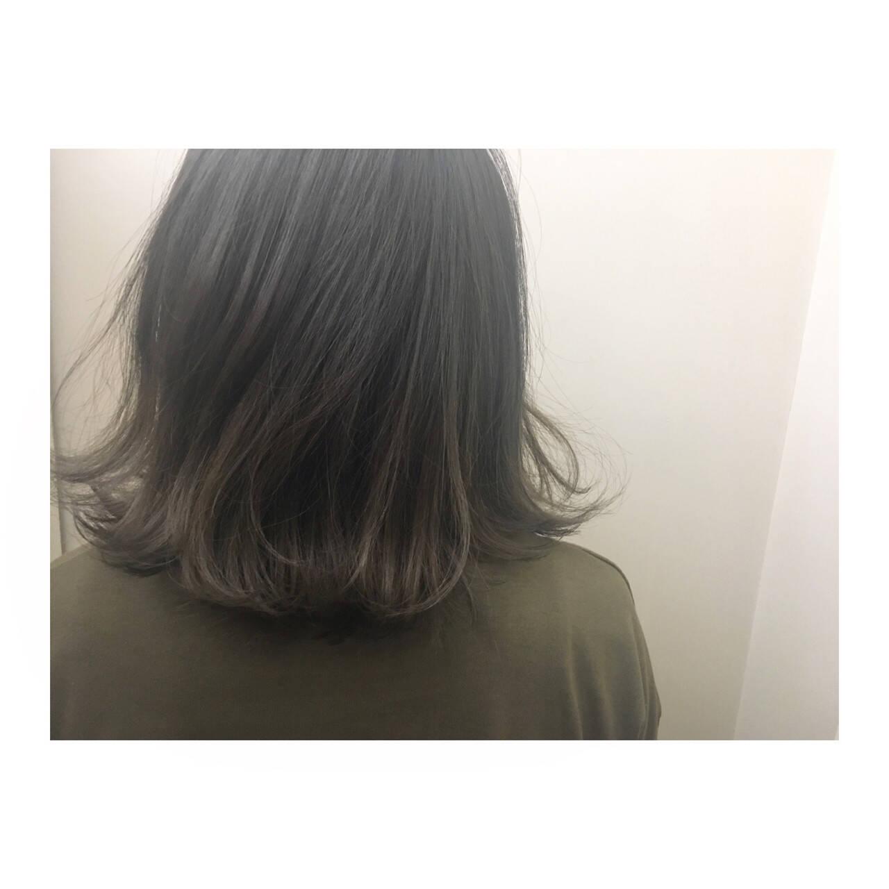 アッシュグレージュ 外国人風カラー ミディアム ボブヘアスタイルや髪型の写真・画像