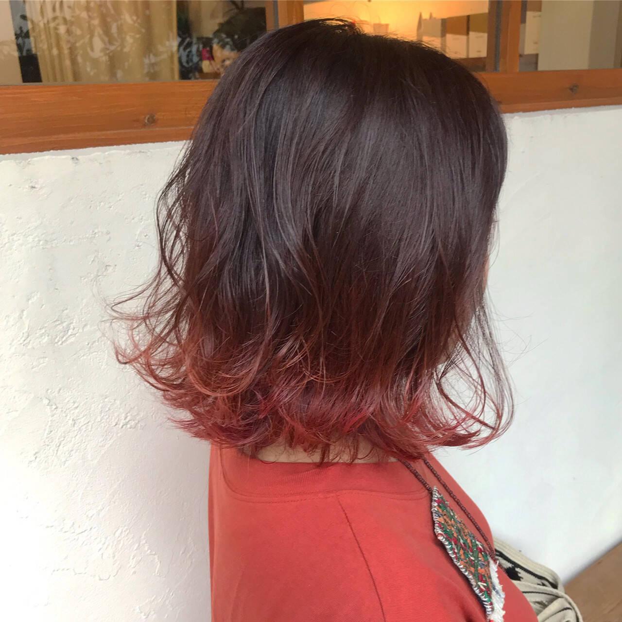 ピンク ストリート ボブ 赤髪ヘアスタイルや髪型の写真・画像