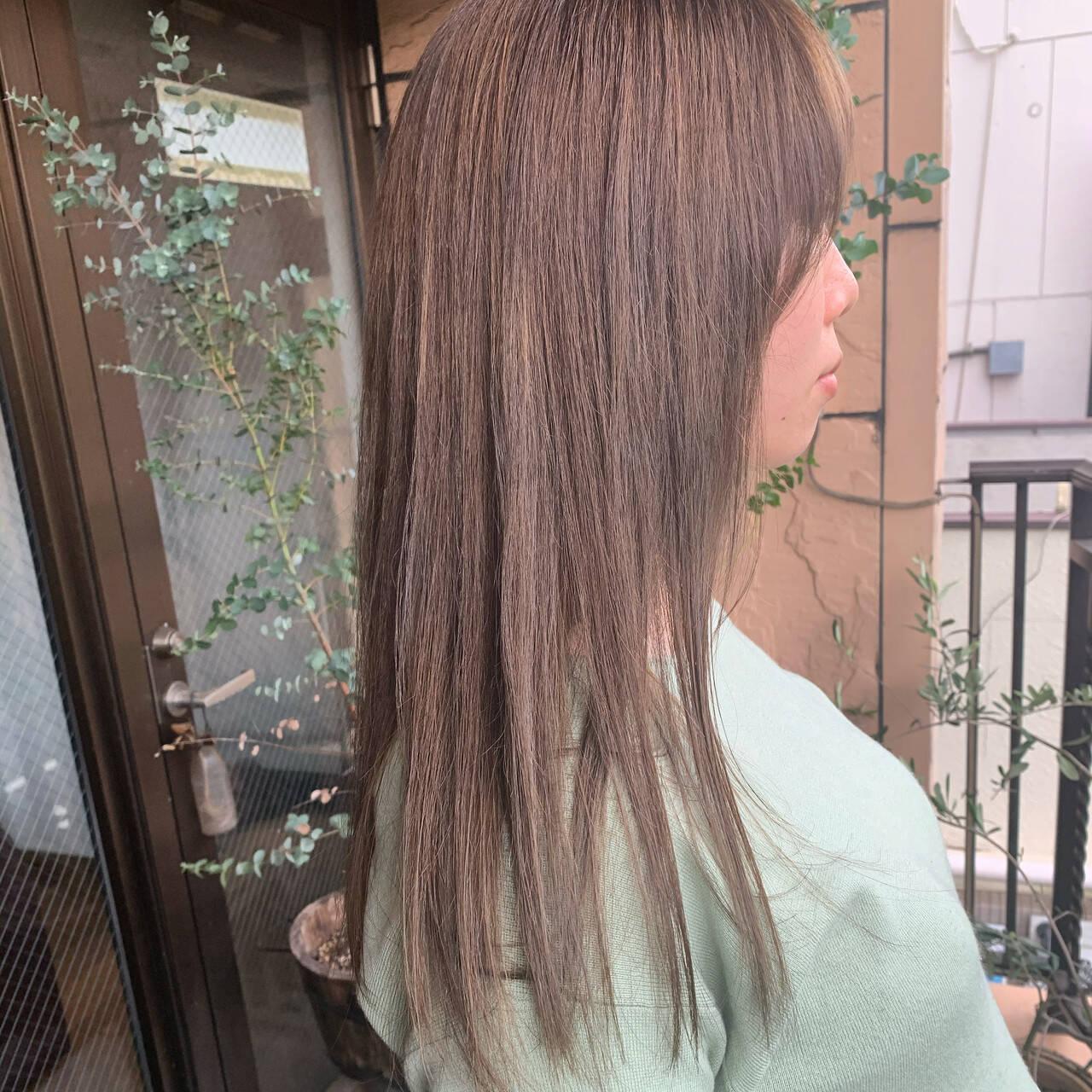 ミルクティーベージュ ナチュラル ベージュ ハイトーンカラーヘアスタイルや髪型の写真・画像