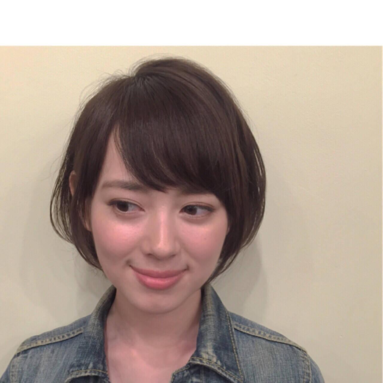 ショート 大人かわいい 暗髪 前髪ありヘアスタイルや髪型の写真・画像