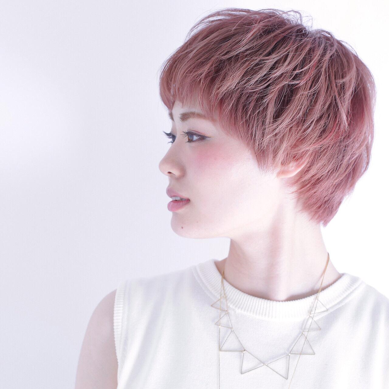 春 ショート ガーリー ピンクヘアスタイルや髪型の写真・画像