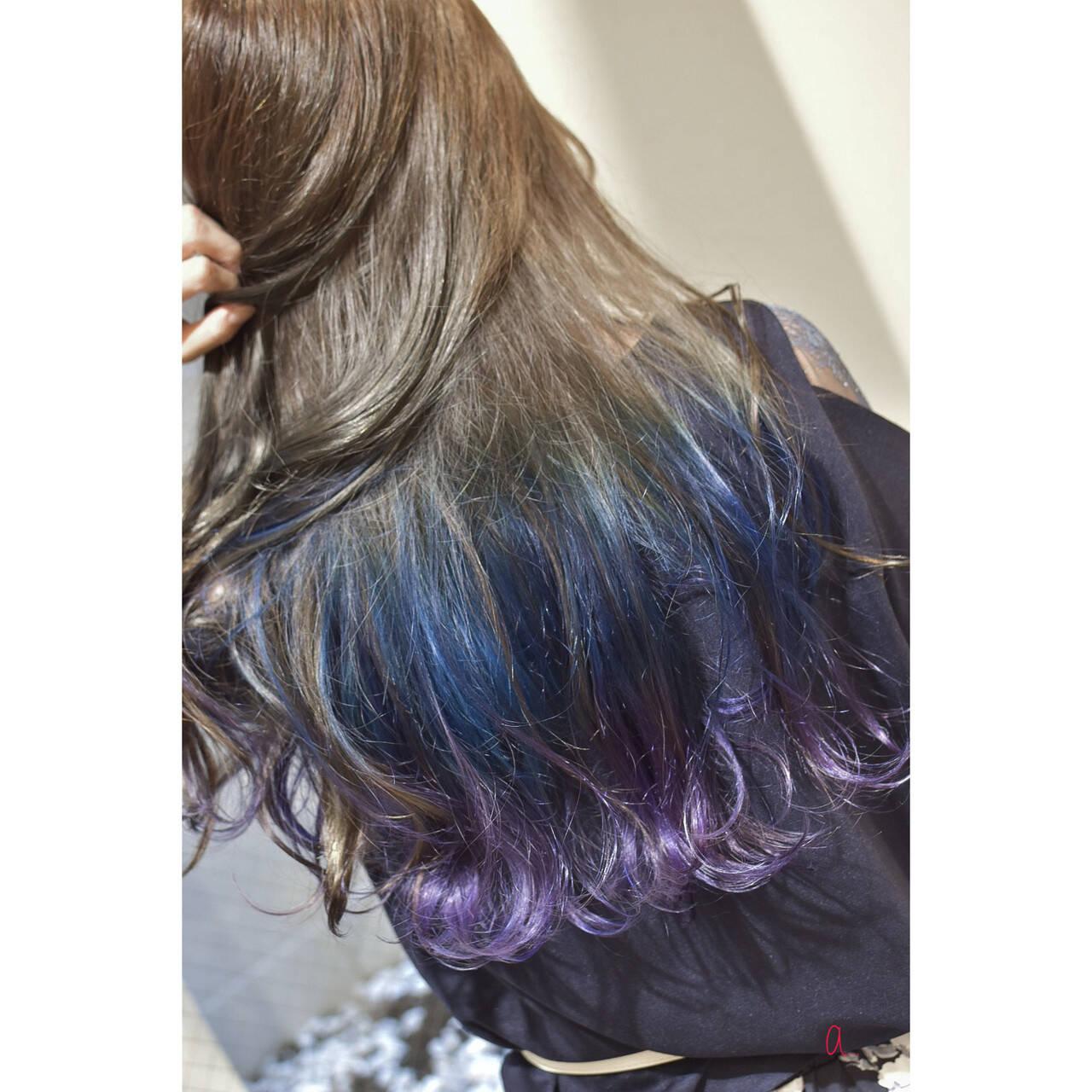 インナーブルー インナーピンク インナーカラー オーロラカラーヘアスタイルや髪型の写真・画像