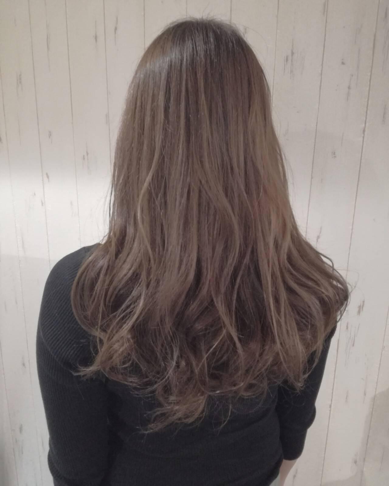 ロング 透明感 フェミニン ベージュヘアスタイルや髪型の写真・画像