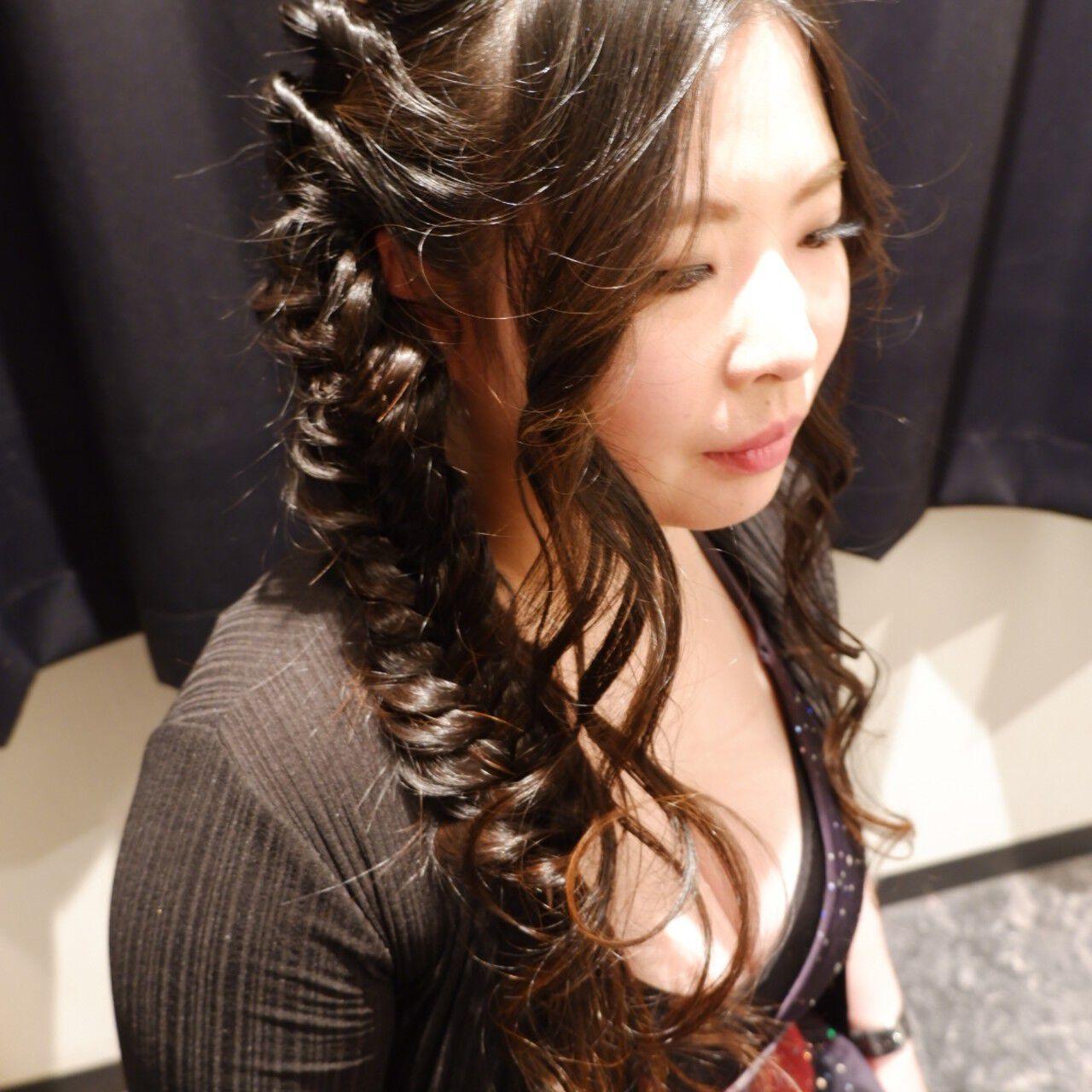 編みおろし ロング フェミニン ヘアセットヘアスタイルや髪型の写真・画像