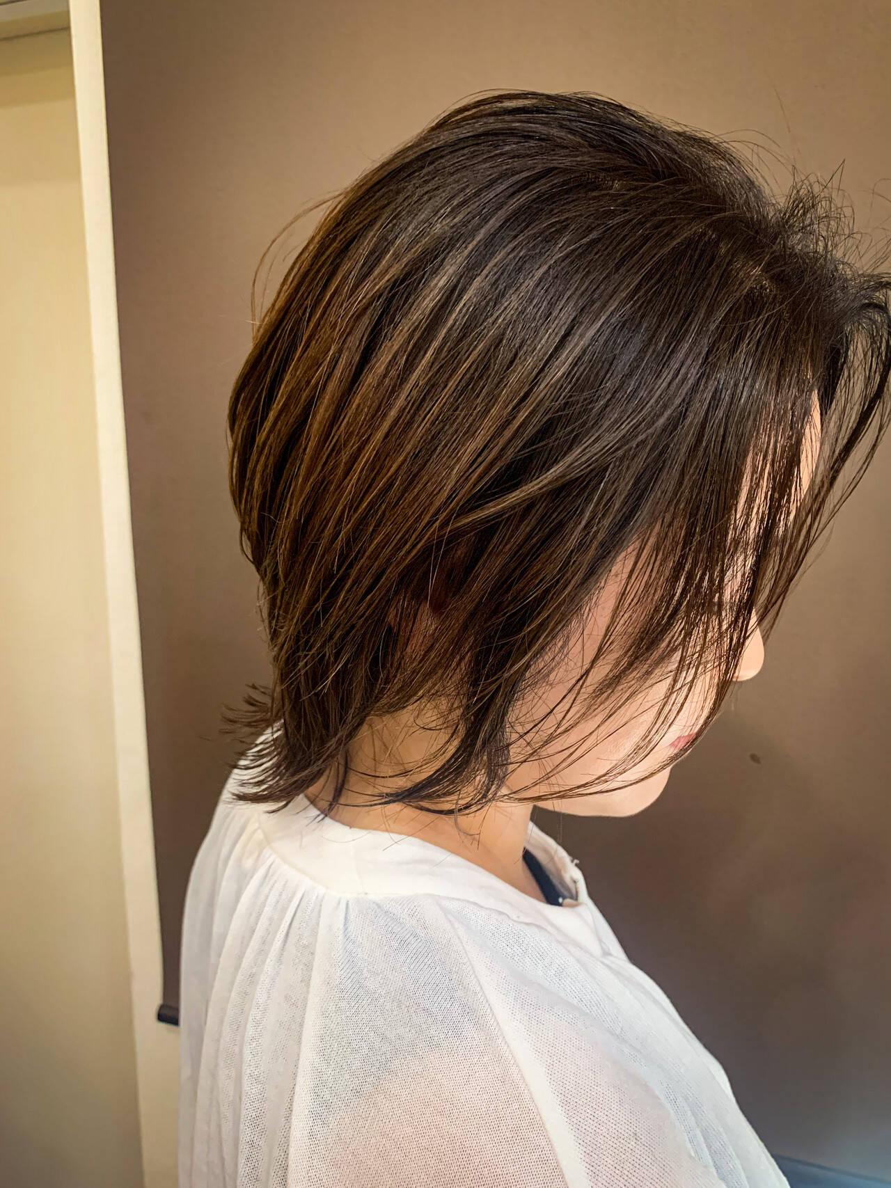 アンニュイ ミディアム 外ハネ ナチュラルヘアスタイルや髪型の写真・画像