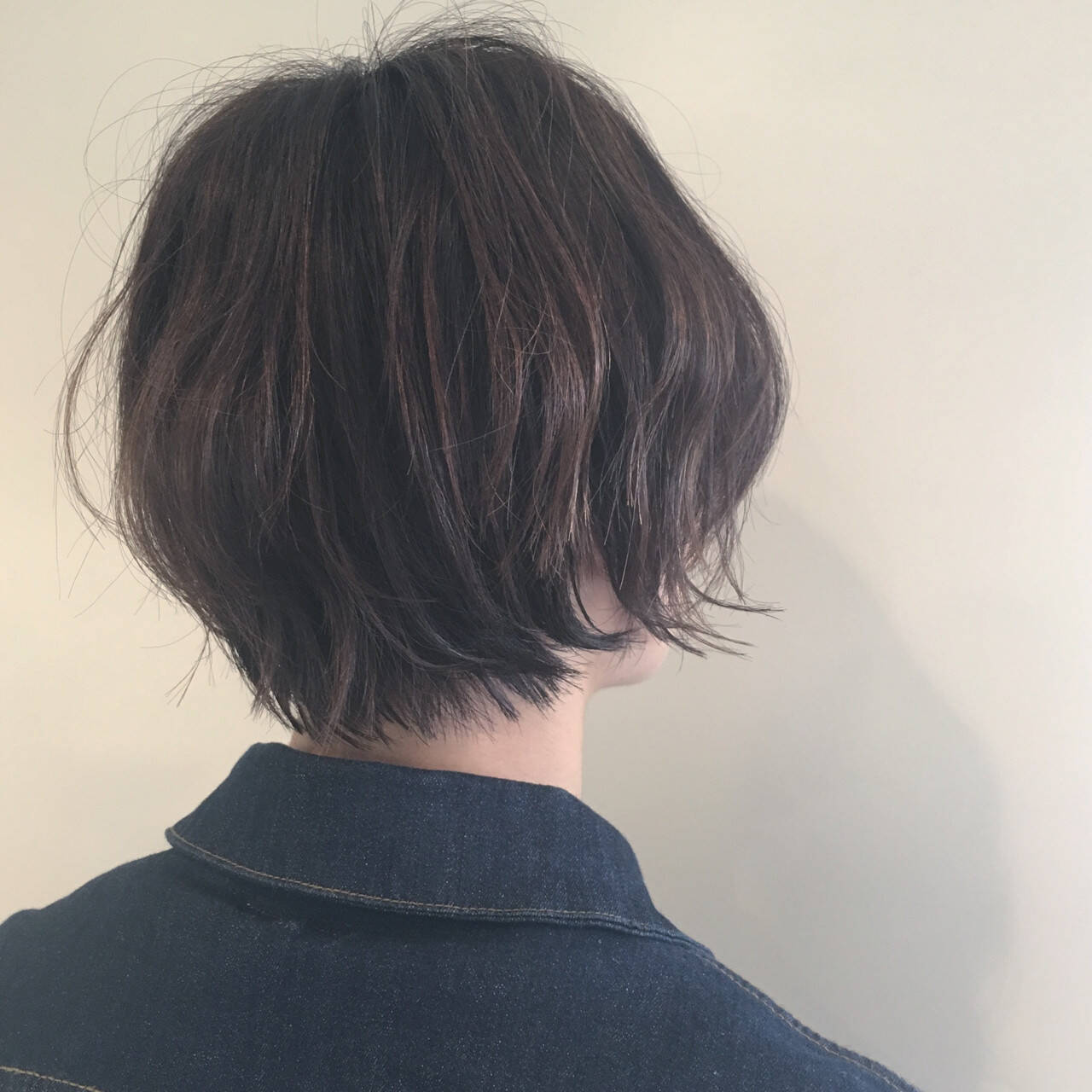 ナチュラル ハイライト オフィス ショートヘアスタイルや髪型の写真・画像