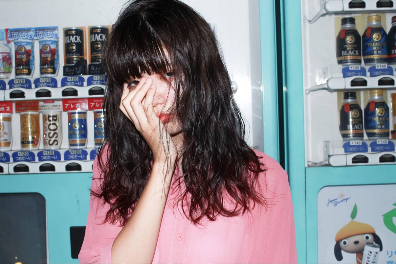 ピュア ミディアム ワイドバング 黒髪ヘアスタイルや髪型の写真・画像
