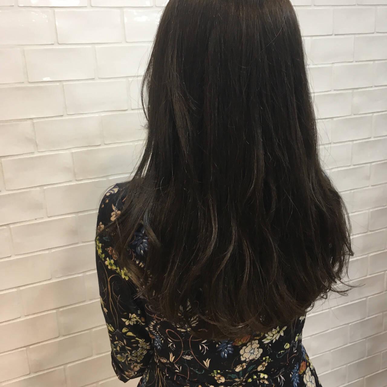 ガーリー マット ワンカール ロングヘアスタイルや髪型の写真・画像