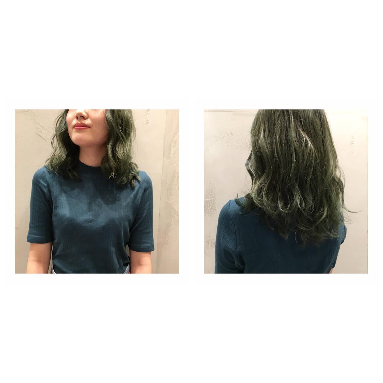 カーキ マット ミディアム ストリートヘアスタイルや髪型の写真・画像