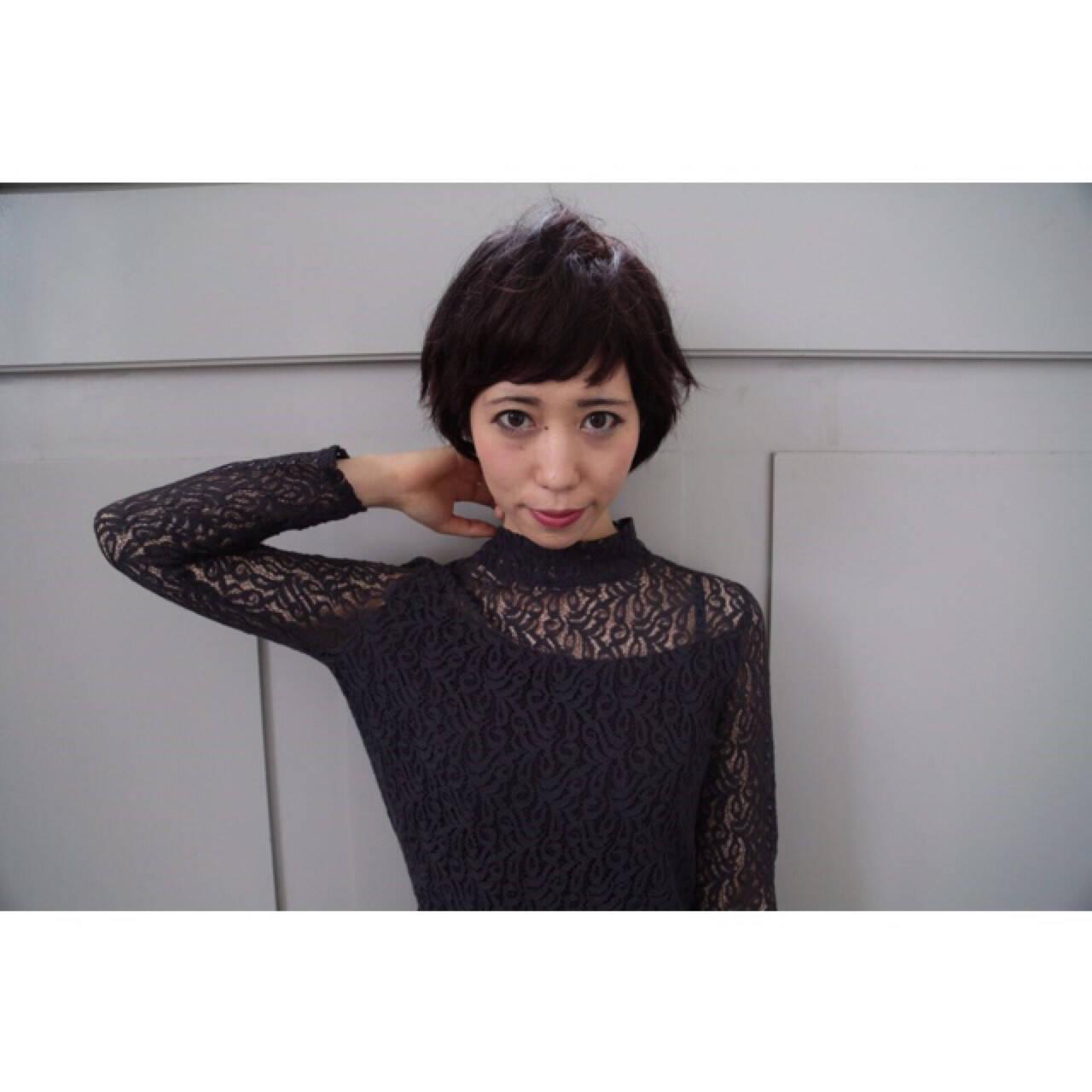 セミロング モード ショート オン眉ヘアスタイルや髪型の写真・画像