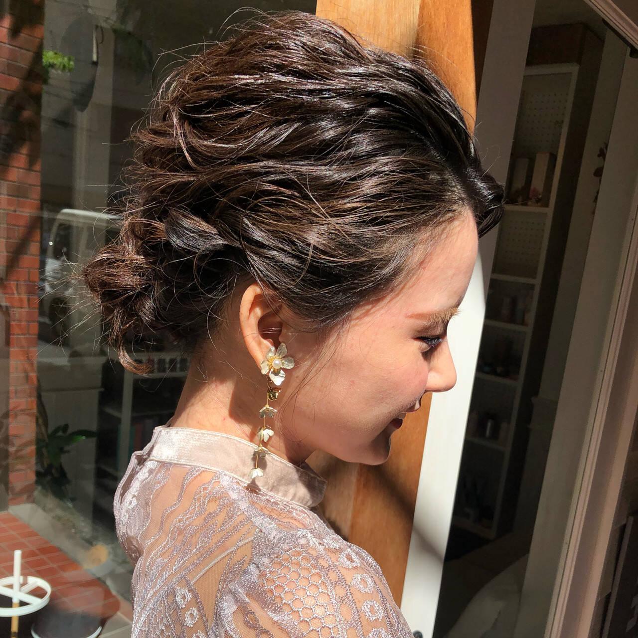 結婚式 成人式 ヘアアレンジ ナチュラルヘアスタイルや髪型の写真・画像