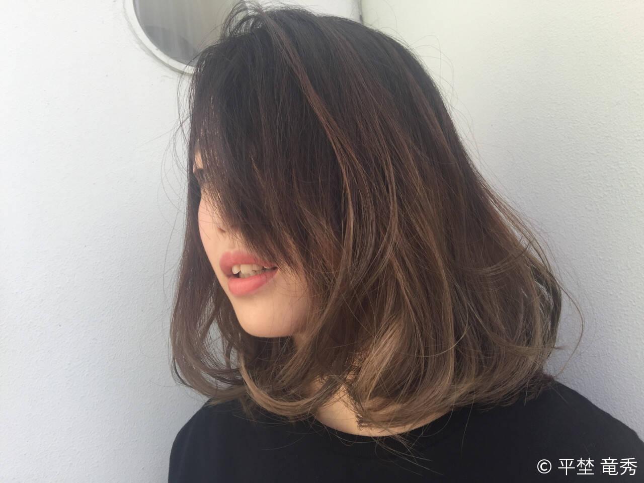 外国人風 グラデーションカラー パーマ ミディアムヘアスタイルや髪型の写真・画像