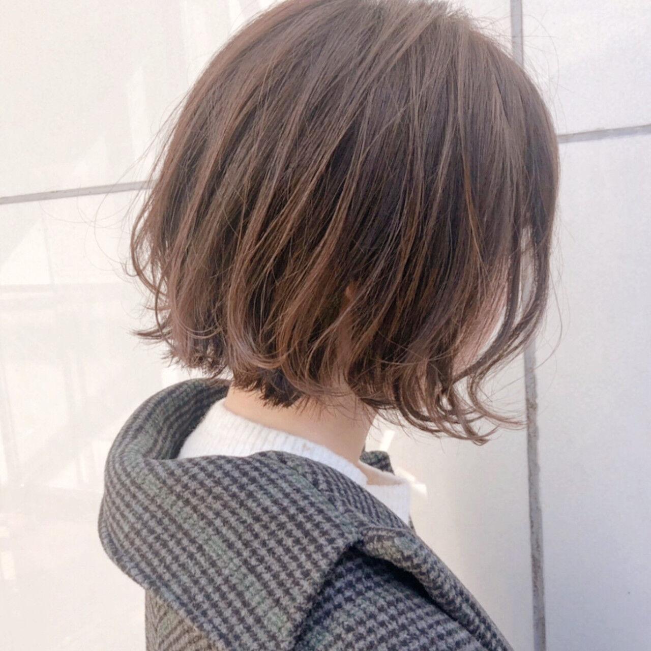 パーマ ナチュラル 簡単ヘアアレンジ オフィスヘアスタイルや髪型の写真・画像