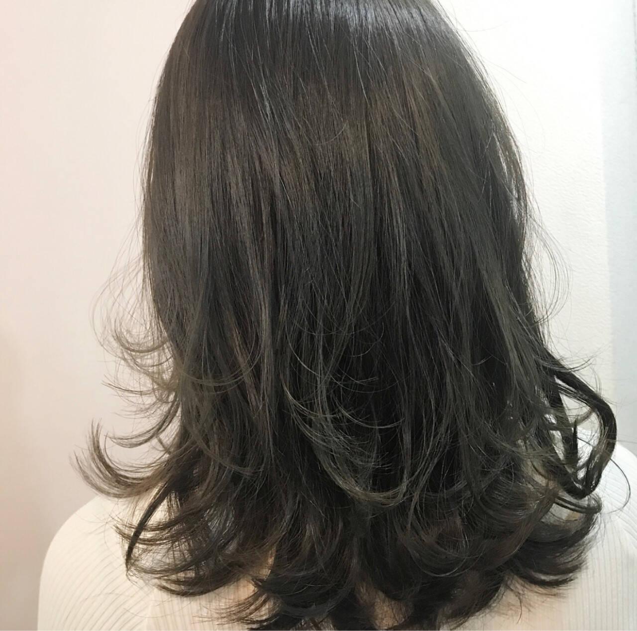 ワンカール 外ハネ 内巻き ナチュラルヘアスタイルや髪型の写真・画像