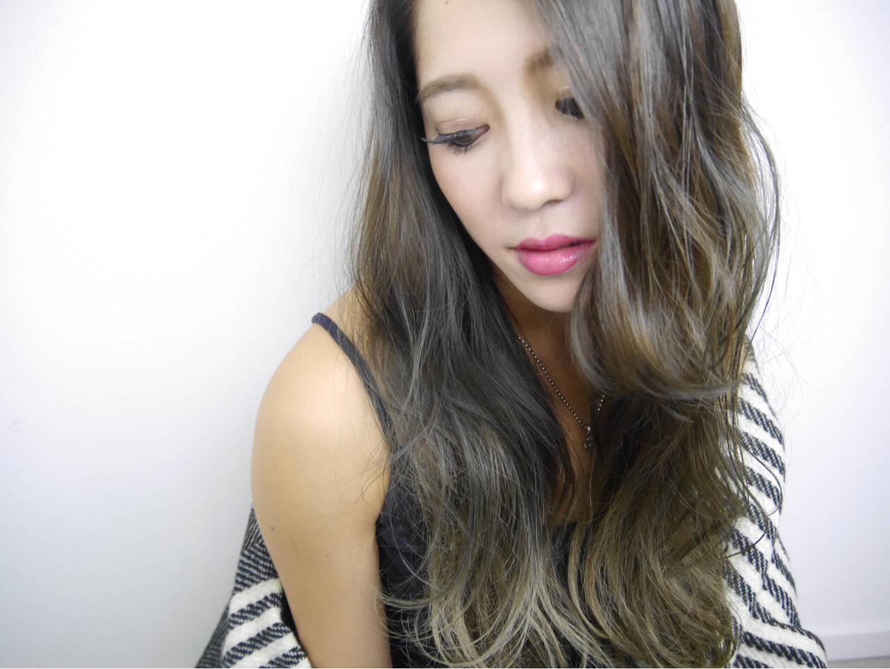 ロング 上品 エレガント アッシュヘアスタイルや髪型の写真・画像