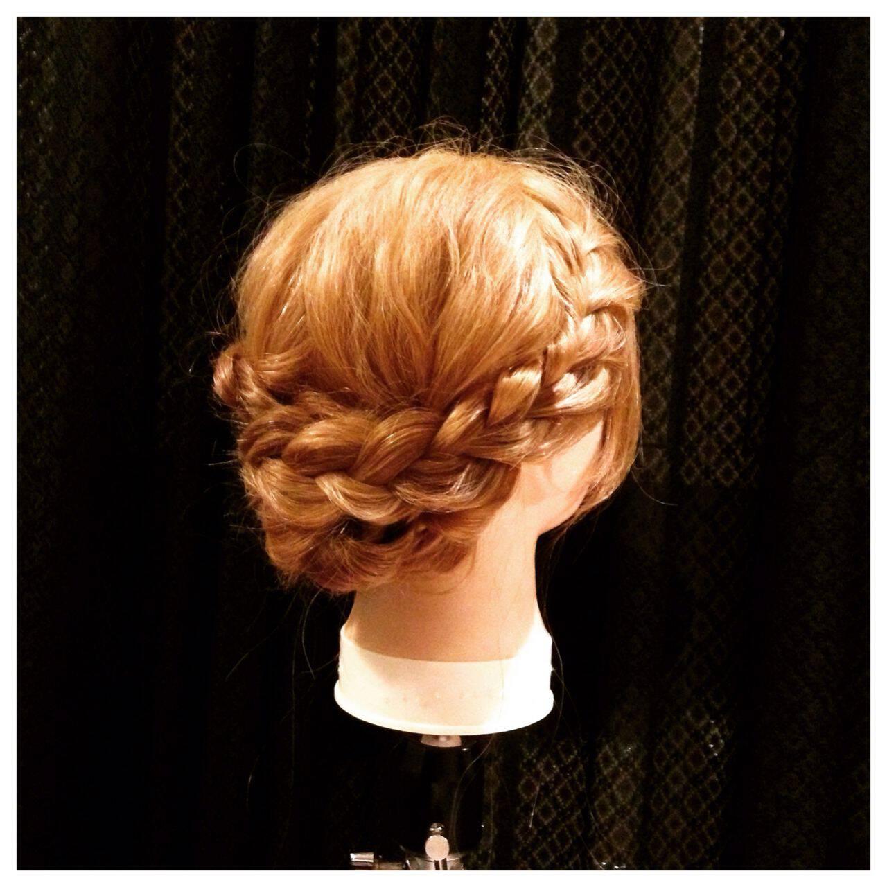 ガーリー ミディアム 編み込み 大人かわいいヘアスタイルや髪型の写真・画像