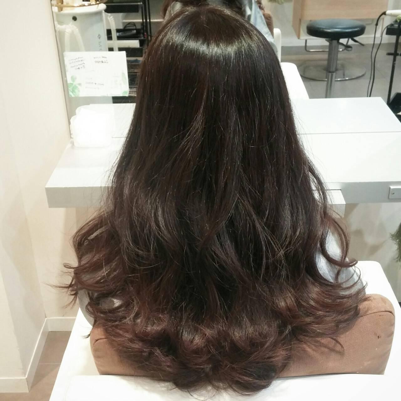 波ウェーブ ハイライト 暗髪 ロングヘアスタイルや髪型の写真・画像