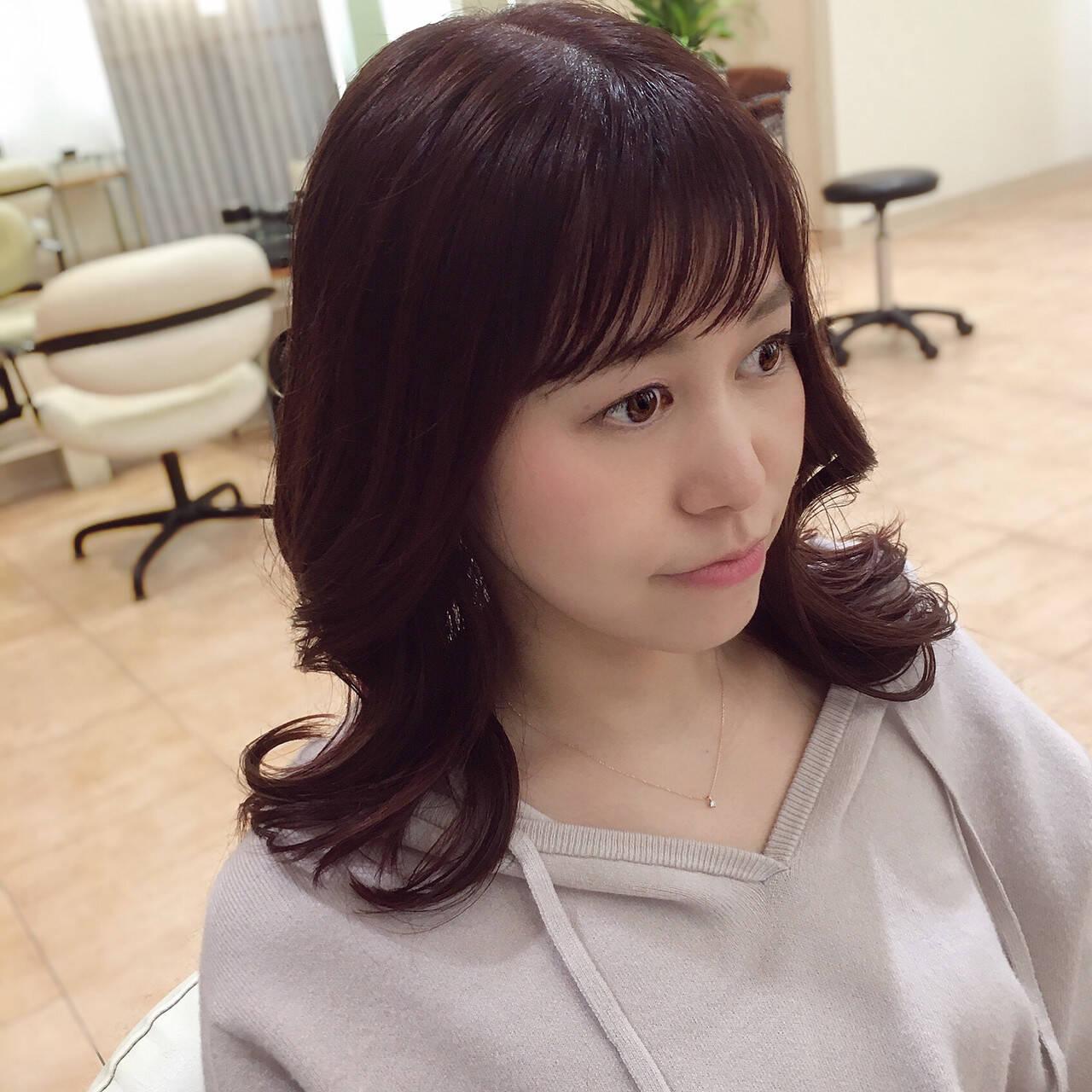 ヨシンモリ フェミニン コーラルピンク 巻き髪ヘアスタイルや髪型の写真・画像