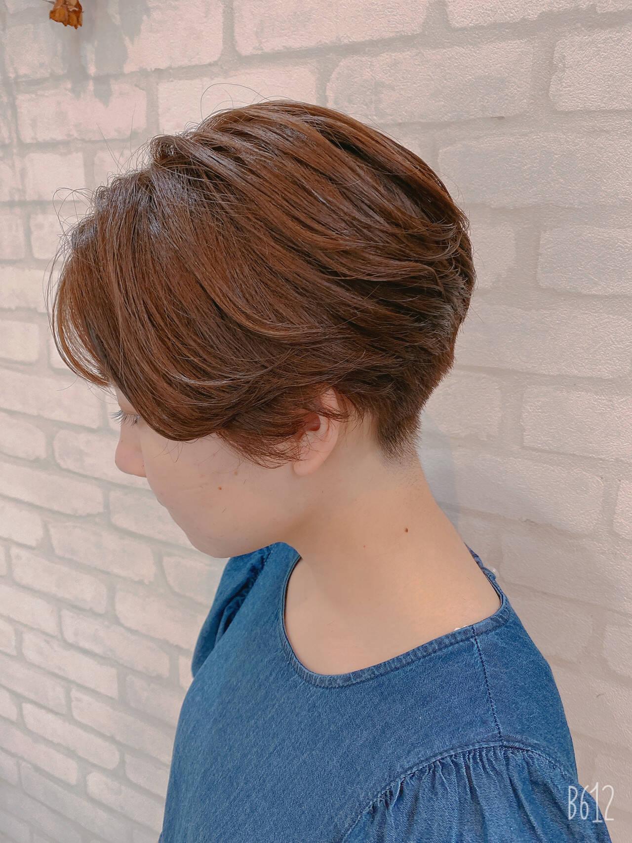 ショート ガーリー ショートヘア インナーカラーヘアスタイルや髪型の写真・画像