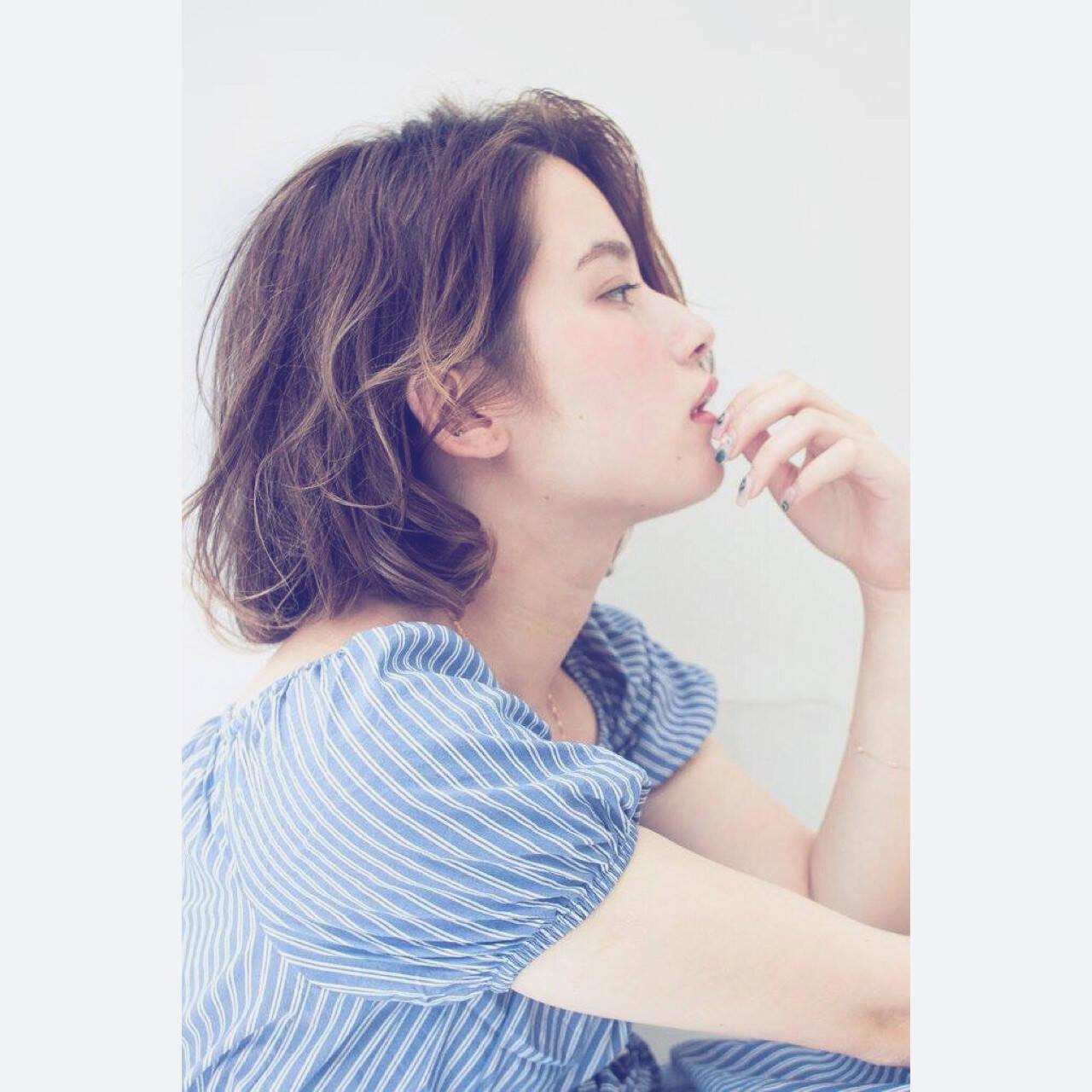 ミディアム ガーリー ピュア パーマヘアスタイルや髪型の写真・画像