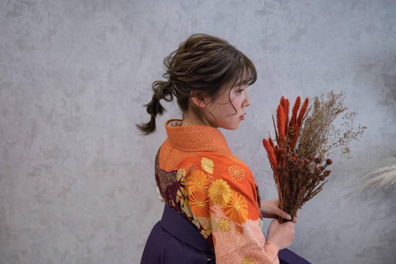 セミロング ポニーテールアレンジ 袴 フェミニンヘアスタイルや髪型の写真・画像