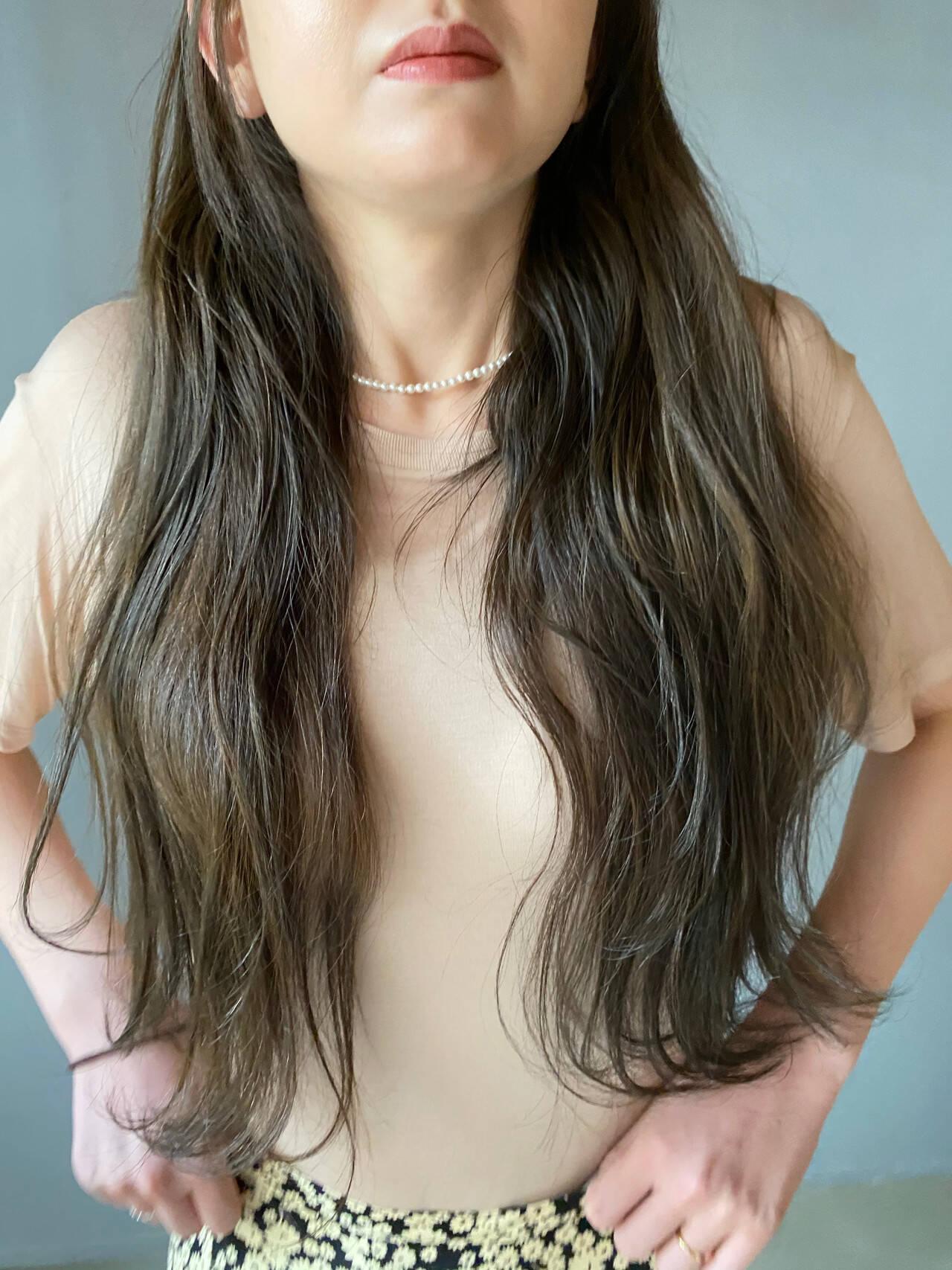 ナチュラル くすみカラー お洒落 ロングヘアスタイルや髪型の写真・画像