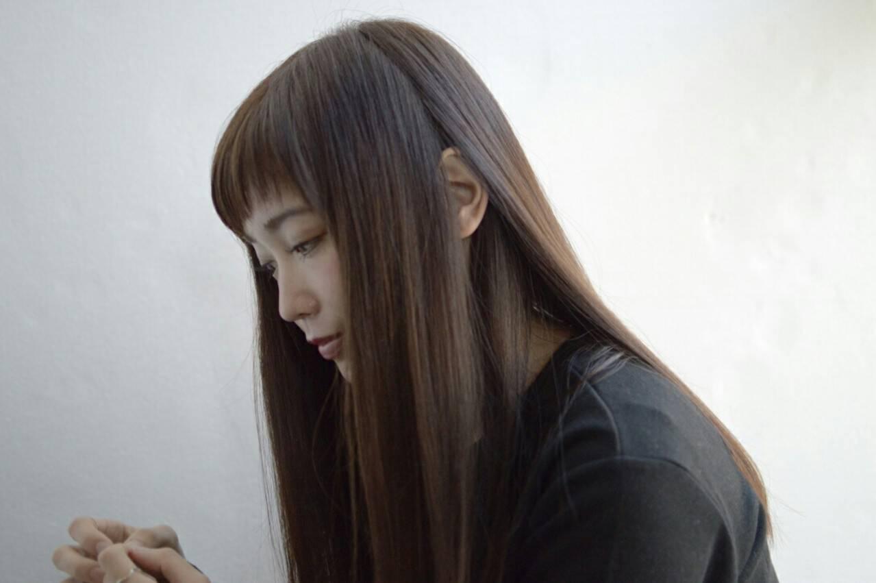 ブラウン ナチュラル ストレート 暗髪ヘアスタイルや髪型の写真・画像