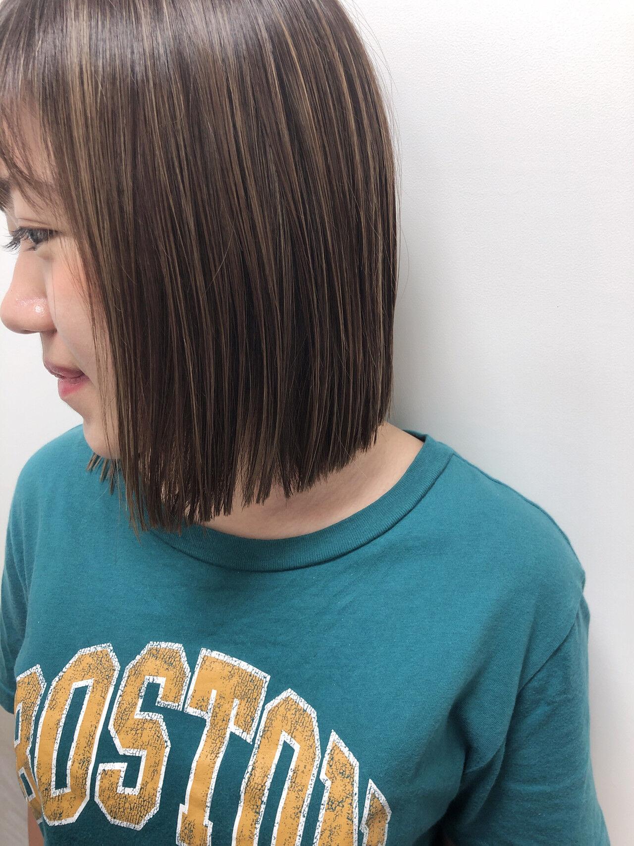 ナチュラル 透明感カラー ハイライト 切りっぱなしボブヘアスタイルや髪型の写真・画像