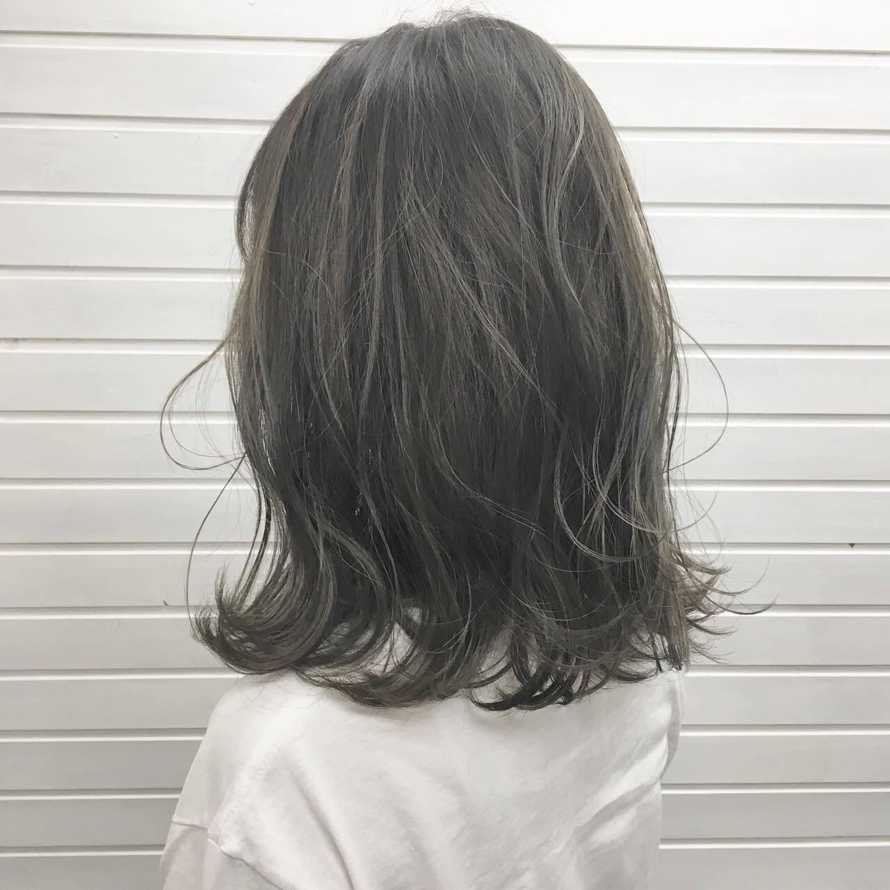 バレイヤージュ ストリート グラデーションカラー ミディアムヘアスタイルや髪型の写真・画像